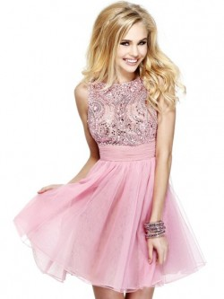 HandpickLooks offers Pink prom dresses in various styles.