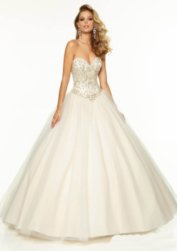 US$188.99 2015 Beading White Sweetheart Sleeveless Lace Up Tulle Floor Length Ball Gown