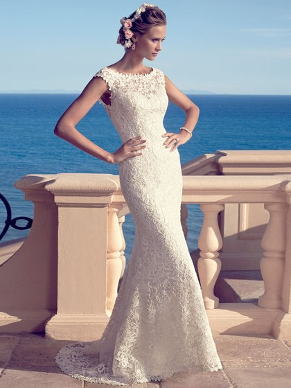 Scalloped Neck Open Back Lace Pearl Detailing Trumpet/Mermaid Ivory Wedding Dress in UK