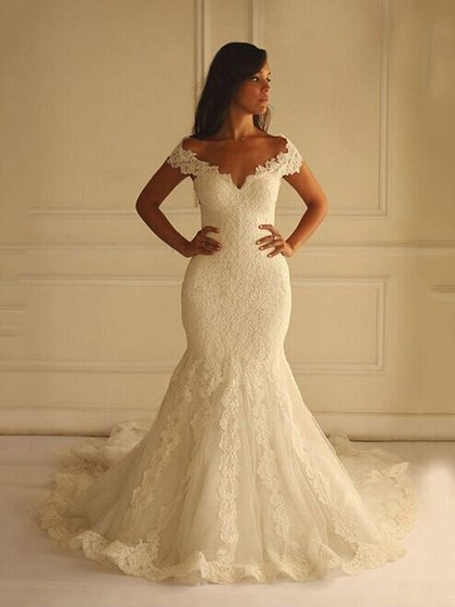 Trumpet/Mermaid V-neck Lace Tulle Court Train Appliques Lace Discounted Wedding Dresses in UK