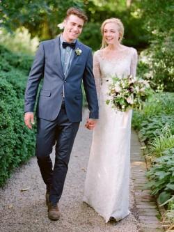 Fabulous Sheath/Column Scoop Neck Tulle Floor-length Appliques Lace Long Sleeve Wedding Dresses  ...