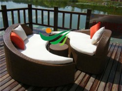 Rattan Chaise lounge