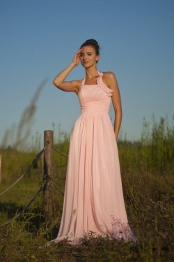 Simple robe mousseline pastel empire à col halter pour cortège mariage – JMRouge.fr