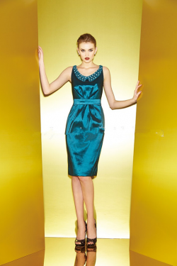 US$150.99 2015 Scoop Sleeveless Satin Knee Length Zipper