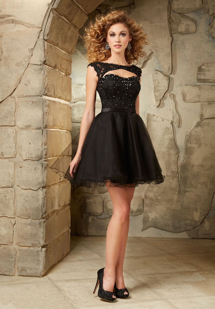 US$135.99 2016 Beading Sweetheart Tulle A-line Short Length Open Back Ruched Black Sleeveless