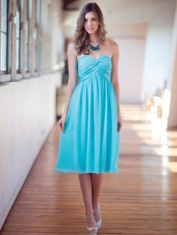 Empire Blue Chiffon Criss Cross Sweetheart Knee-length Bridesmaid Dress in UK