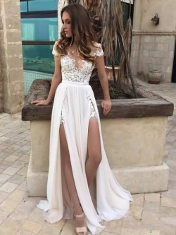 Sheath/Column Scoop Neck Chiffon Tulle Sweep Train Appliques Lace Modern Wedding Dresses in UK