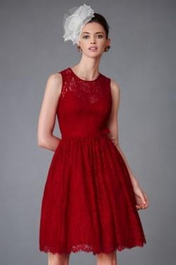 Robe de soirée bordeaux rouge courte en dentelle