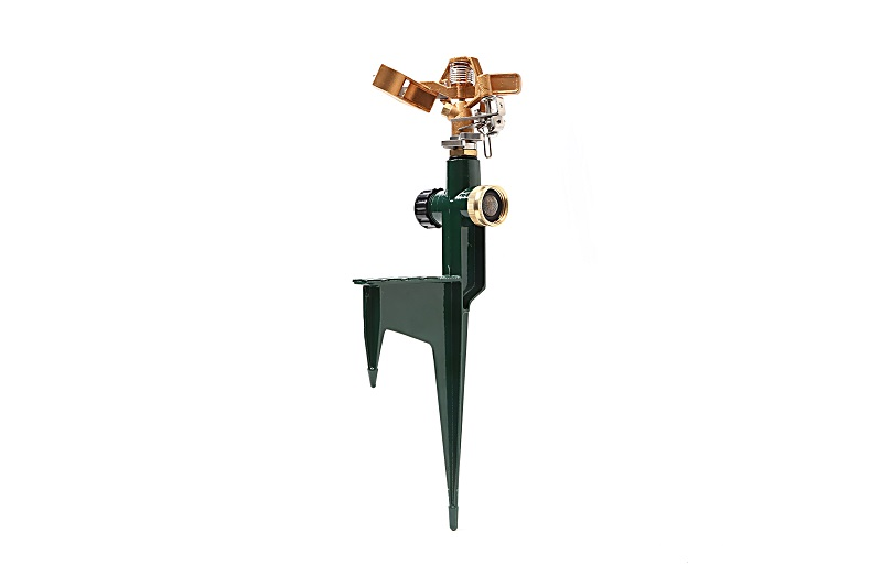 metal pulsating water sprinkler on step spike