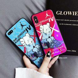 カウズxエア・ジョーダン 4 iphone7 7PLUSケース 強化ガラス KAWS X AIR JORDAN 4 iphone8ケース コラ ...