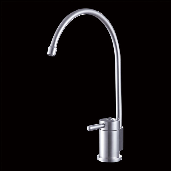Stainless steel kitchen faucet are a must for every cupboard