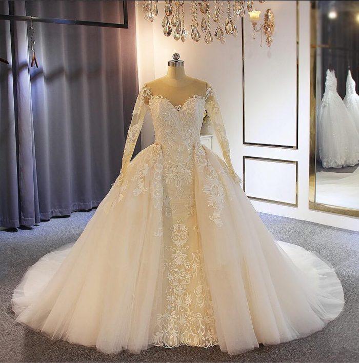 Elegante Brautkleider mit Ärmel   A Linie Hochzeitskleider Mit Spitze