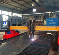 Gantry flame and plasma CNC cutting machine