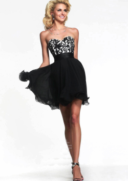 US$136.99 2015 Sweetheart Lace Up Appliques Chiffon Tulle Red Black Short