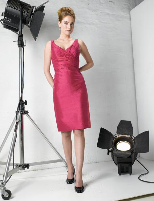 US$155.99 2015 Sleeveless Zipper Satin V-neck Knee Length