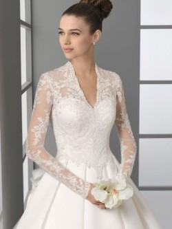 A-Linie V-Ausschnitt Kapelle Satin Hochzeitskleid mit Lange Ärmel Spitze