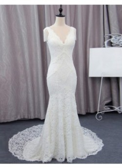 Mermaid/Trumpet Lace Wedding Dress With Illusion And Pearls