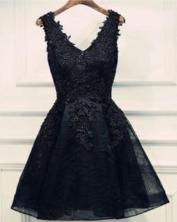Lace-Up Black Short V-Neck Beading Lace-Appliques Homecoming Dresses_2017 Homecoming Dresses_Spe ...